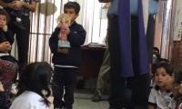 El padre Guillermo bendijo la imagen del ñiño jesus